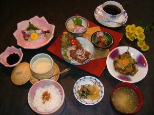 かに料理・もずく雑炊・季節料理・会席料理の皆生温泉「松の江」お昼のおすすめ定食